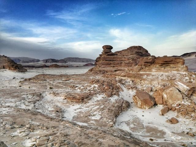 Puščavski osamelci