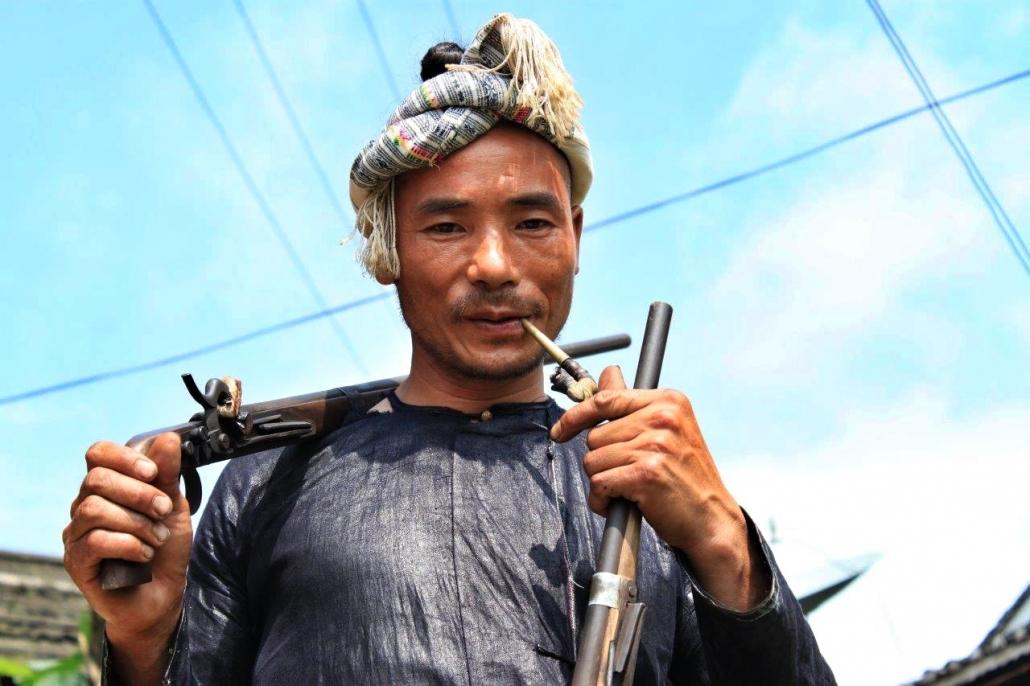Basha miao manjšina je še edina, ki lahko uporablja orožje