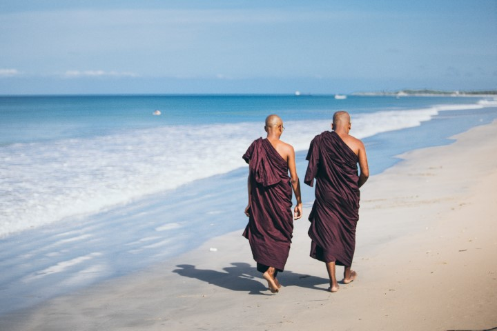 budistični menihi, Šrilanka